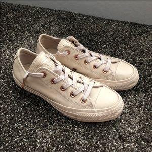 💕Converse Shoes